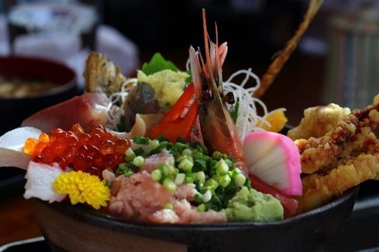 大漁海鮮丼(日替わり)
